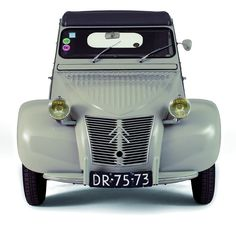 1956 CITROËN 2CV The material for new cogs/casters could be cast polyamide which I (Cast polyamide) can produce