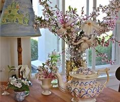 Susan Branch love- particularly, the hand painted Martha's Vineyard lampshade!