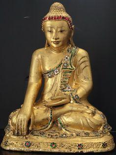 Mid 19th Century Burmese Early Mandalay Bronze gilded Buddha statue Height: 39cm x Width: 30cm x Depth: 17cm - Weight: 7.4 kilo