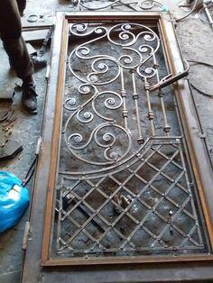 Top Amazing design ideas of wrought iron doors Grill Gate Design, Steel Gate Design, Window Grill Design, House Gate Design, Metal Garden Gates, Metal Gates, Wrought Iron Decor, Wrought Iron Gates, Wrought Iron Gate Designs
