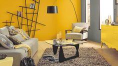 Salon jaune contemporain.