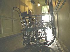 Ham House Investigation Mar 04 - the wheelchair that has a life of its own.....