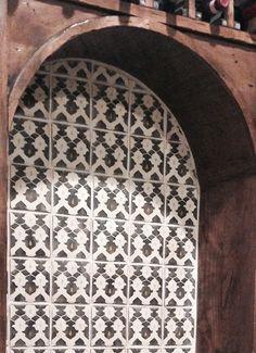 arabesque tile on fireplace new house build pinterest