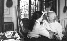 Pablo e Jacqueline em La Californie, por volta de de 1955. A última mulher de Picasso.