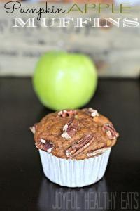 Apple Pumpkin Muffins Recipe are so moist and delicious! #muffins #apple #pumpkin