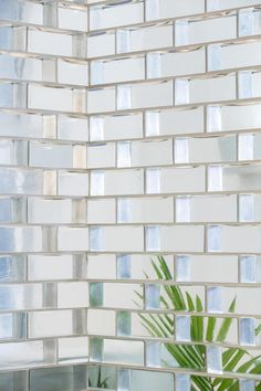 Glass bricks are back and this is how to use them in your home: Glass Brick, Glass Door, Brick Interior, Interior And Exterior, Glass Design, Wall Design, Bathroom Interior Design, Interior Decorating, Escalier Art