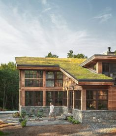 Green roofs – 6 mythical ideas about the green roofs – Home Interior Design Green roofs – 6 mythical ideas about the green roofs Sustainable Architecture, Architecture Design, Green Building, Building A House, Green Interior Design, Living Roofs, Roof Light, Earthship, House Roof