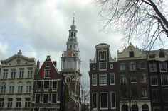 The Zuiderkerk was built between 1603 and 1611, and was the first Protestant church of Amsterdam. The splendid tower was completed in 1614.