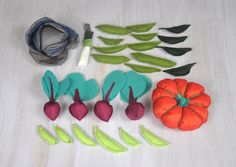 Textile and Felt Vegetables Colorful Veggies For Kids Pretend Food Play Set Grocery Kitchen Cabbage Pumpkin Leek Beets Beans - pinned by pin4etsy.com