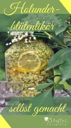Ein einfaches Rezept für Holunderblütenlikör.