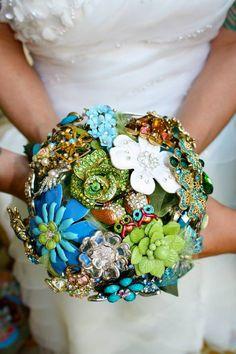 brooke-joana-real-lesbian-beach-wedding-florida-DIY-brooch-bouquet-detail