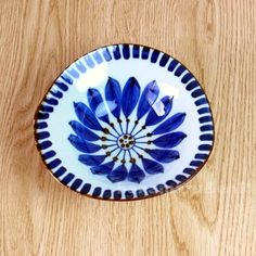 Flower Pattern Drawing, Flower Patterns, Cultural Crafts, Japanese Pottery, Earthenware, One Color, Decorative Plates, Clay, Tablewares