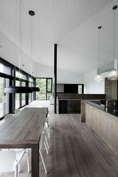 Contrast of materials & use of pendants