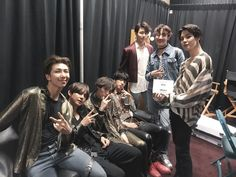 Find images and videos about kpop, bts and jungkook on We Heart It - the app to get lost in what you love. Jung Hoseok, Kim Namjoon, Kim Taehyung, Seokjin, Foto Bts, Bts Photo, Bts Bangtan Boy, Bts Boys, Jhope