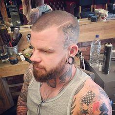 Skin fade & beard trim by Hayley 👌😏 Beard Fade, Men Beard, Beard Trimming, Moustache, Cut And Style, Barber Shop, Short Hair Cuts, Rockabilly, Mens Fashion