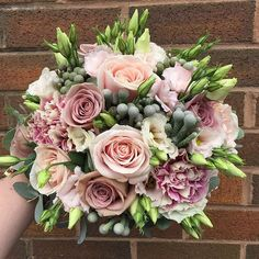 Weddings, desire other super wedding suggestions, pop by the pinned image today. Bride Flowers, Diy Wedding Flowers, Bride Bouquets, Flower Bouquet Wedding, Rose Wedding, Floral Wedding, Wedding Cake, Arte Floral, Floral Arrangements