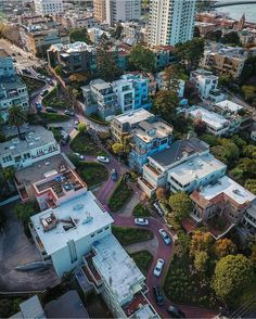 Lombard Street San Francisco by laidea #sanfrancisco #sf #bayarea #alwayssf #goldengatebridge #goldengate #alcatraz #california