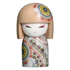 This is a Kimmidoll Haruyo Peace Maxi Japanese Doll Figure. Kimmidoll's are fantastic collectible doll figures that are designed to represent traditional Japane