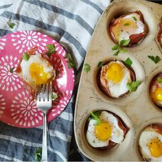 """🔹PROSCIUTTO CUPS🔹 Hey Jenn here from and yes, technically this is not a """"sheet pan meal"""" but it is a family favorite… Good Morning Breakfast, What's For Breakfast, Paleo Breakfast, Breakfast Recipes, Brunch Recipes, Whole 30 Recipes, Paleo Recipes, Passionfruit Recipes, Spinach Egg"""