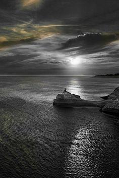 Black And White Colour, Gray Color, Colour Splash, Colouring Pics, Landscape Photos, Black And White Photography, Waves, Watercolor, Sea