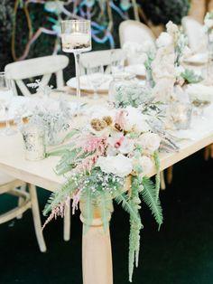 Gallery & Inspiration table corner flowers