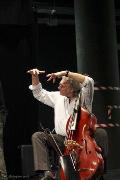 Venerdì 10 maggio  Teatro Olimpico, ore 21  Trio Bob Mintzer - John Abercrombie - Miroslav Vitous   Bob Mintzer (sax), John Abercrombie (chitarra), Miroslav Vitous (contrabbasso)  www.vicenzajazz.org