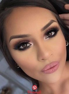The Do This, Get That Guide On Bridal Makeup for Brown Eyes - Wedding makeup - Hochzeit Wedding Makeup Tutorial, Wedding Makeup Tips, Bride Makeup, Wedding Makeup For Brunettes, Wedding Makeup For Brown Eyes, Brown Smokey Eye Makeup, Charlotte Tilbury, Makeup Brands, Best Makeup Products