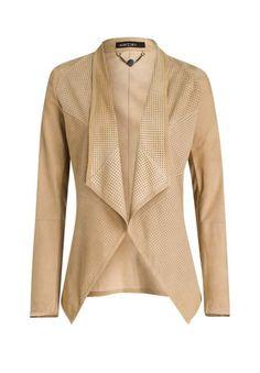 Zarte Raulederqualität realisiert in modischer, einzigartiger Schnittform  Marc  Cain präsentiert mit dieser Jacke ein Lieblingsstück für unzählige ... e18375712c