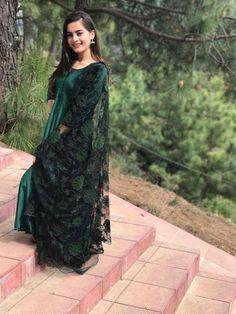 Aiman Khan for Photoshoot! Stylish Dress Designs, Designs For Dresses, Stylish Dresses, Nice Dresses, Casual Dresses, Fashion Dresses, Beautiful Pakistani Dresses, Pakistani Dress Design, Indian Attire