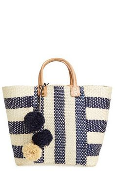 Striped straw bag. I love the pattern of this bag. I bet if you use outdoor upholstery fabric, it would make a great summer bag!