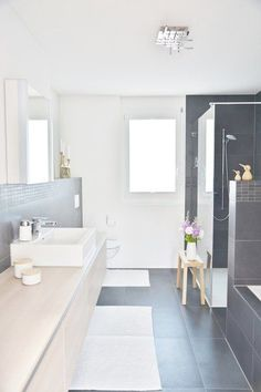 Einblick The post Einblick appeared first on Badezimmer ideen. Home Decor Styles, Laundry In Bathroom, Interior, Home, Stylish Bathroom, Bathroom Layout, House Interior, Bathroom Interior, Modern Bathroom