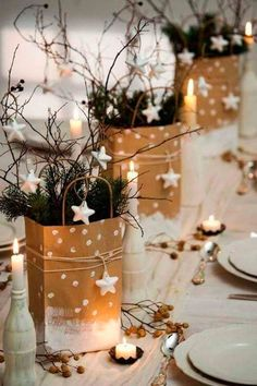Inspiring Charming Winter Centerpieces Decoration Ideas - Page 4 of 33 Winter Table Centerpieces, Xmas Table Decorations, Christmas Centerpieces, Decoration Table, Christmas Lanterns, Balloon Decorations, Noel Christmas, Rustic Christmas, Outdoor Christmas