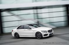 The new C 450 AMG 4MATIC expands the product range of the performance and sports car brand of Mercedes-Benz with another new AMG sports model.