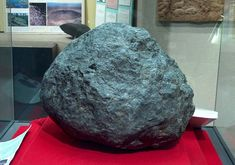 Ensisheim Meteorite, the oldest meteorite with a known crash date. It crashed in the Alsace region of France on 11/07/1492