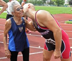 Ida Keeling - 99 year old sprinter. Check out that bod! Sport Motivation, Fitness Motivation, Training Fitness, Senior Fitness, Aged To Perfection, Ageless Beauty, Young At Heart, Aging Gracefully, Forever Young