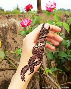 Henna Hand Designs, Finger Mehndi Designs Arabic, Mehndi Designs Book, Floral Henna Designs, Latest Arabic Mehndi Designs, Mehndi Designs For Girls, Mehndi Designs For Beginners, Mehndi Designs 2018, Stylish Mehndi Designs