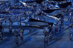 Vor dem Einmarsch der über 200 Nationen und vor dem Entzünden der Olympischen...