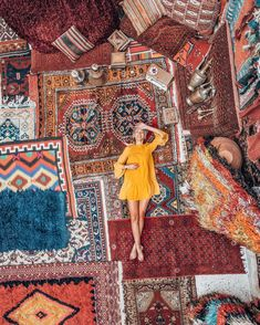 Morocco is a beautiful country with stunning countryside and marvellous cities. But not all that glitters, is gold. You can be astonished by alluring sights and twenty minutes later feeling dumb because you were overcharged. Is Morocco Safe? Marrakech Travel, Morocco Travel, Marrakech Morocco, Istanbul Travel, Décor Boho, Bohemian Rug, Turkey Travel, Travel Aesthetic, Travel Photos