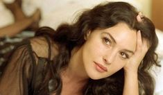 Monica Bellucci, Amazing Women, Psychology, Long Hair Styles, Inspiration, Beauty, Feelings, Woman, Nice