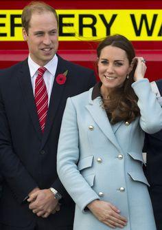 Los gestos premamá de la Duquesa de Cambridge en su visita a Gales