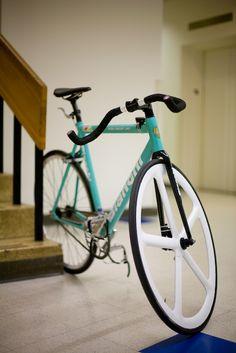 http://www.bikeforums.net/singlespeed-fixed-gear/698030-taking-machined-sidewall-off-aerospoke.html