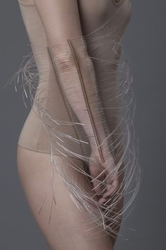 """""""The Living Points Structure design concept can be reflected in the phrase anti-jewelry"""", young Polish jewelry designer Ewa Śliwińska says. Mommy Jewelry, Jewelry Art, Jewelry Design, Textiles, Fashion Art, Fashion Jewelry, Fashion Design, Style Fashion, Structured Fashion"""