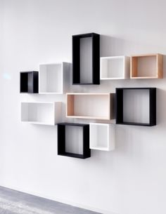 The Vista Wall Cube Timber 25 × 30 from XLBoom is available in various colors and sizes. The possible colors are white, coffee bean and natural wood. Home Decor Shelves, Wall Shelf Decor, Room Shelves, Cube Furniture, Home Decor Furniture, Bookshelf Design, Wall Shelves Design, Wall Cubes, Regal Design