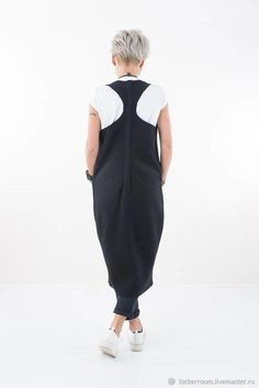 Повседневное черное платье туника оригинального дизайна. Дизайнерская одежда для модных женщин. Tulum, Plus Size Dresses, Boho Fashion, Fashion Dresses, Autumn Winter Fashion, Overalls, Normcore, Jumpsuit, Clothing Templates