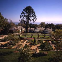 San ysidro ranch the hydrangea cottage patio stephanie for Rosewood ranch cost