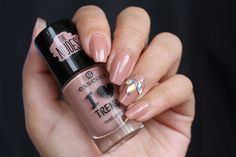Nail Art: Nude http://www.ladyqueen.com/3d-nail-decoration-horse-eye-shape-prismatic-nail-art-glitter-bling-rhinestones-gems-nail-wheel-na0286.html