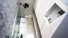Inspire My Interior: The Block Glasshouse - Ensuite reveals Ensuite Bathrooms, Bathroom Renovations, Small Bathroom, The Block Glasshouse, Honeycomb Tile, White Tiles, Smart Design, Glass House, Bathroom Inspiration