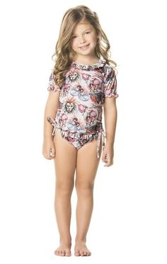 Agua Bendita's Hypnotic Blouse is oh so cute! We love this shade of pink and its soft to the touch fabric. #kidscoverup #beachcoverup #kidsfashion