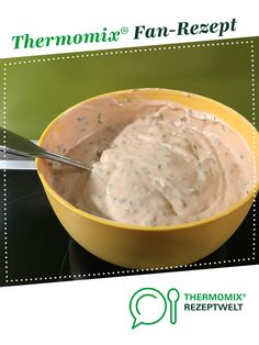Knoblauch-Dip Garlic dip from sannilila. A Thermomix ® recipe from the Sauces / Dips / Spreads categ Baby Food Recipes, Beef Recipes, Dinner Recipes, Healthy Recipes, Dips Thermomix, Garlic Dip, Dessert Dips, Ground Turkey Recipes, Easy Meals
