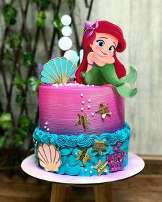Little Mermaid Birthday Cake, Little Mermaid Parties, Mermaid Party Decorations, Girl Birthday Decorations, Bolos Pool Party, Sirenita Cake, Mermaid Cakes, Disney Cakes, Girl Cakes